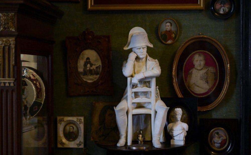 Francia, ante el dilema de conmemorar al Napoleón héroe o al Napoleón villano
