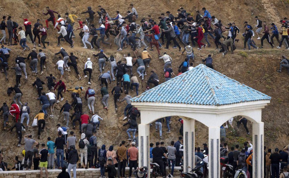 La crisis migratoria en la frontera con Marruecos de la que España no se quiere hacer cargo
