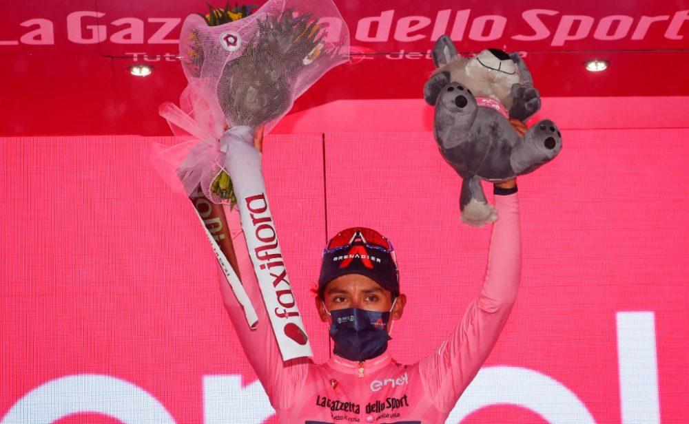 Egan Bernal da cátedra en el Giro: ¡gana la etapa y es líder!