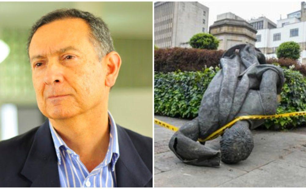 """""""Que unos pocos tumben estatuas es tan arbitrario como quienes las pusieron"""""""