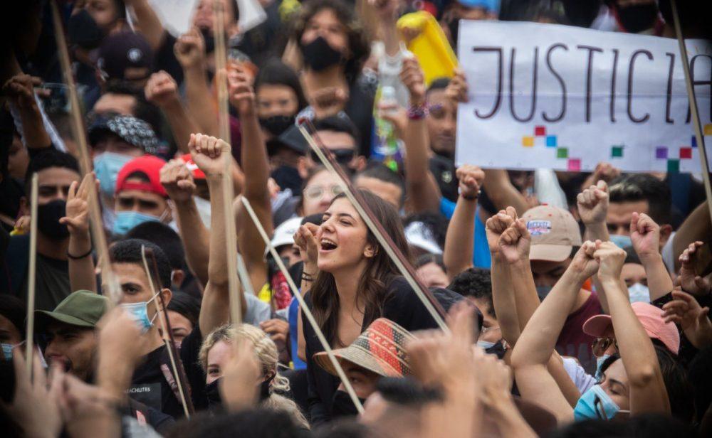 La emergencia del arte o la banda sonora de la protesta