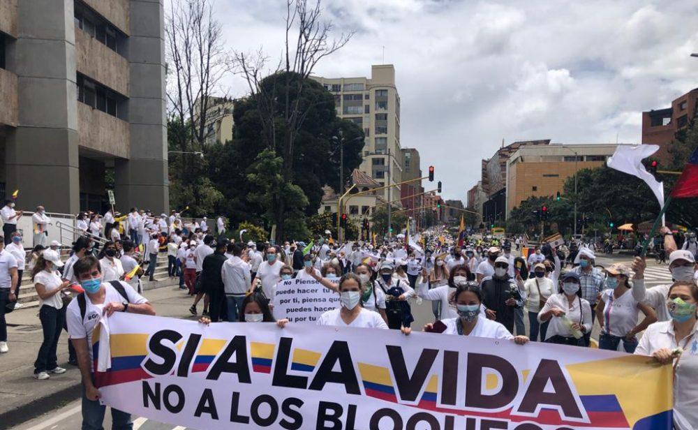A las protestas y bloqueos se sumaron las marchas del silencio