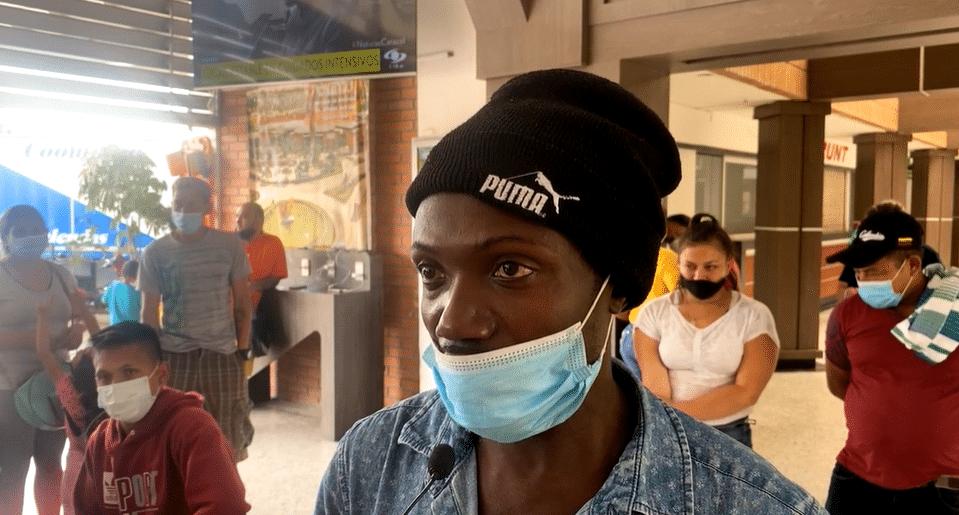 La historia de los migrantes africanos y haitianos atrapados en Colombia por el paro