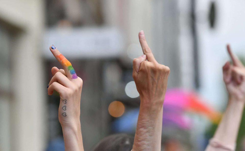 Normas homófobas del gobierno de Hungría desatan rechazo de la Unión Europea y el mundo del fútbol