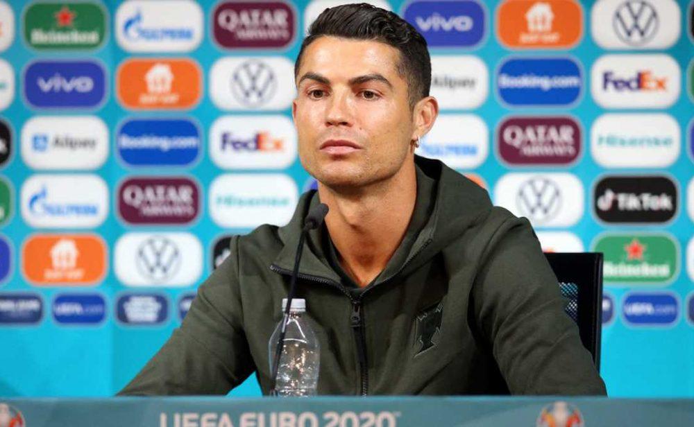 Cristiano Ronaldo y la caída bursátil de Coca-Cola, una historia con sabor a 'fake news'