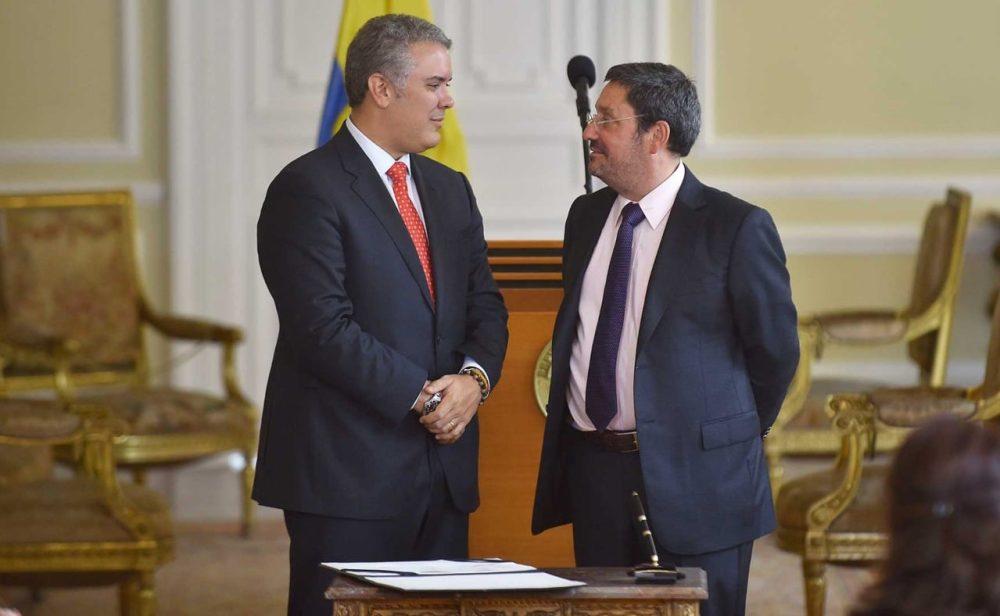 ¿Se descongelarán las relaciones con EE.UU. tras la salida de Pacho Santos?