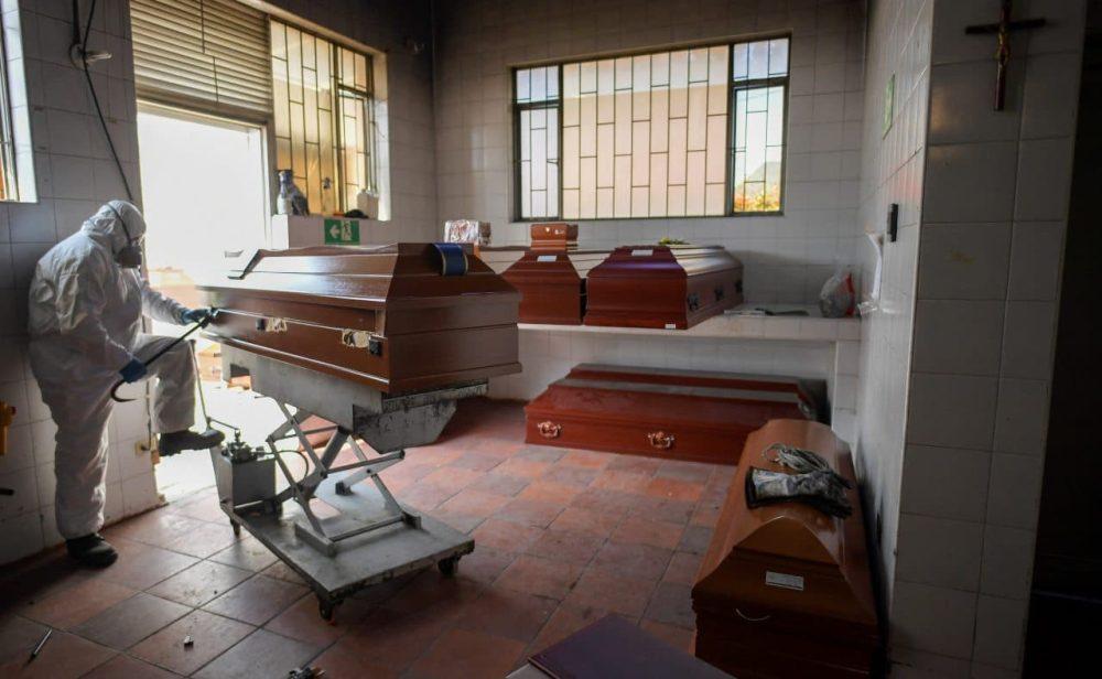 Colombia supera las 100.000 muertes por covid-19 con un nuevo récord diario