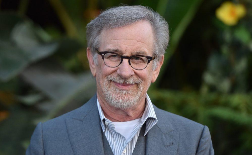 Steven Spielberg también cede y ahora producirá películas para Netflix