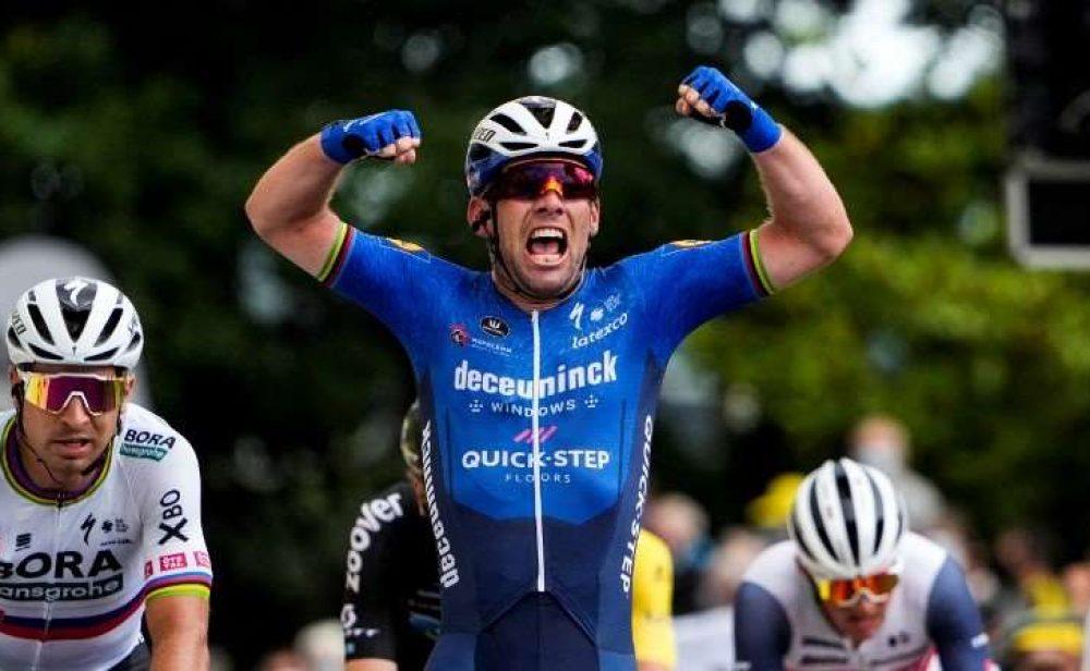 Cavendish gana  y los favoritos listos para la 'crono' de mañana