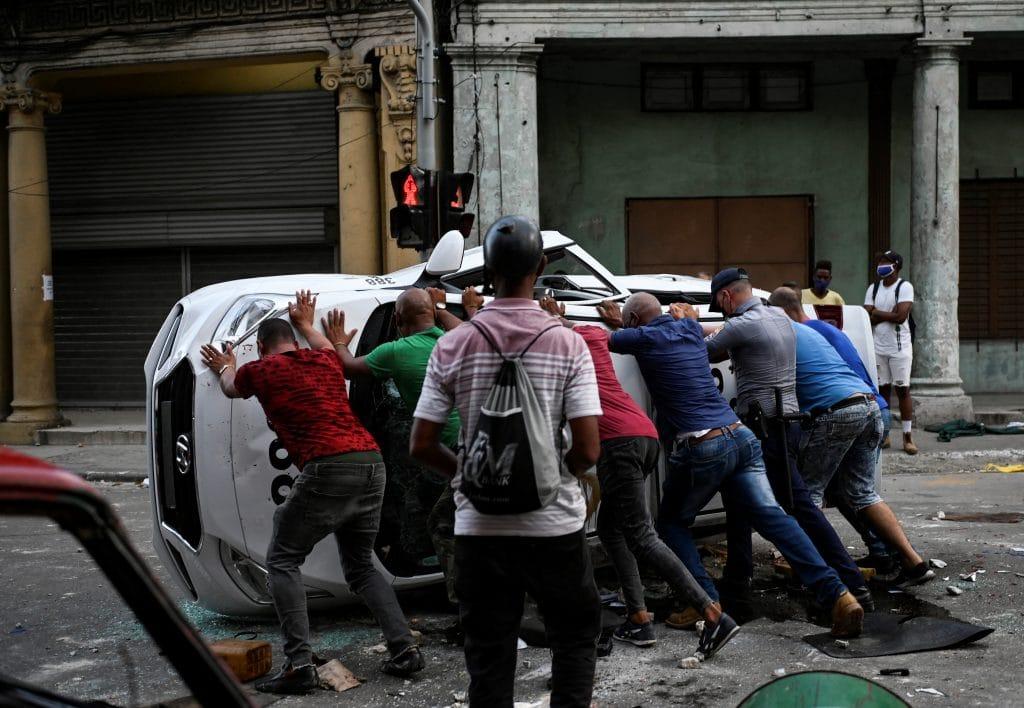 La reacción de los cubanos en las calles sorprendió al gobierno del presidente, Miguel Díaz-Canel. Foto: AFP