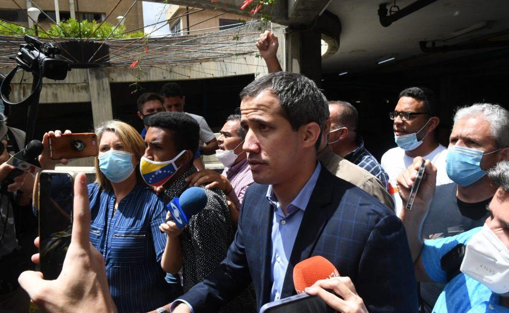 Venezuela: Policía rodea casa de Juan Guaidó para detenerlo