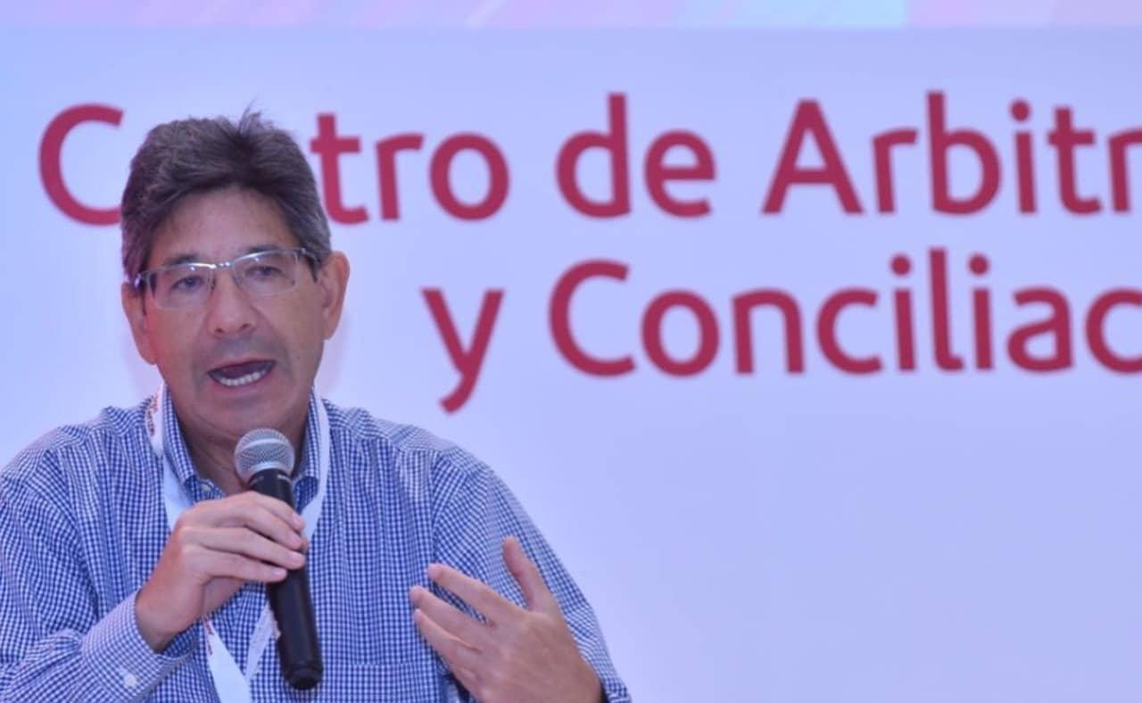 Alejandro Linares, magistrado de la Corte Constitucional
