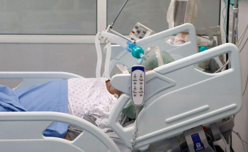 MinSalud revela tasas de mortalidad en personas vacunadas con Pfizer y Sinovac