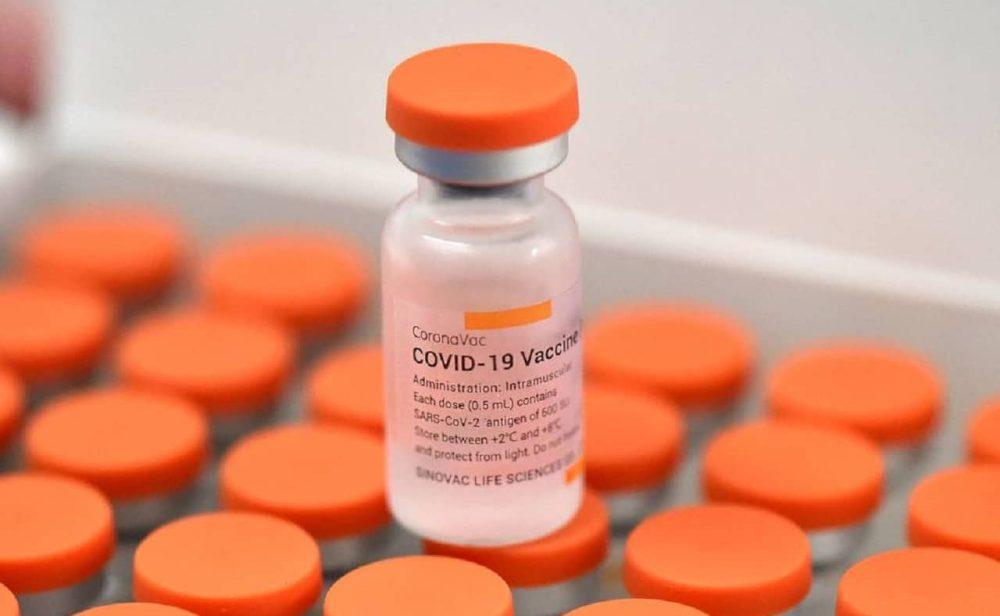 Sinovac y lo que se sabe de una posible tercera dosis