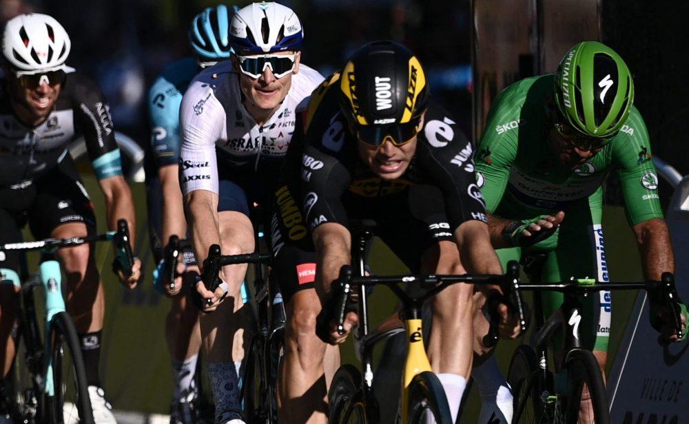 Tour: un 'monstruo' (Van Aert) gana la última etapa; y otro 'monstruo' (Pogacar), la carrera