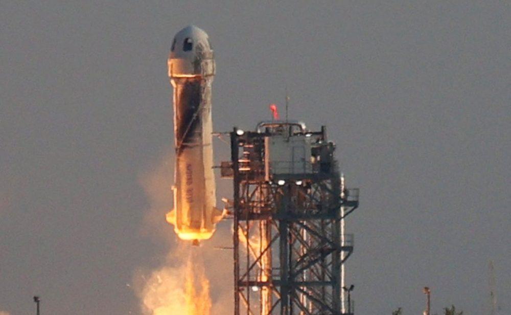 Así fue el viaje de Jeff Bezos, el hombre más rico del mundo que alcanzó el espacio