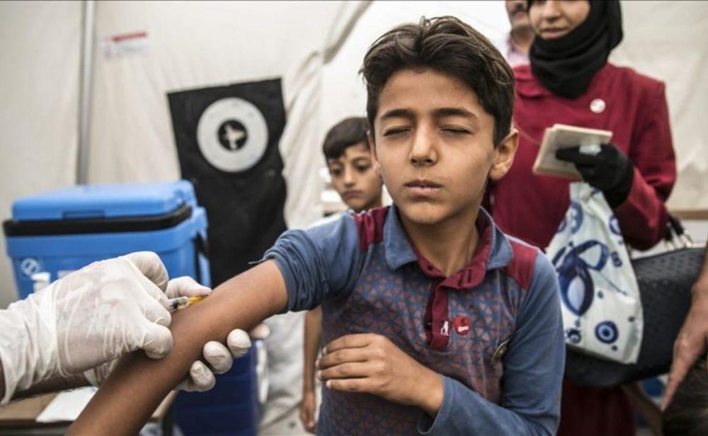 """El mundo está en riesgo de """"catástrofe absoluta"""" por niños sin vacunarse"""