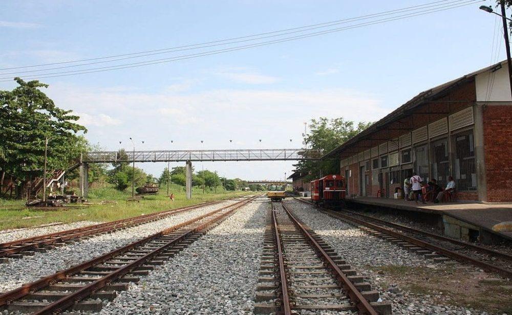 En Colombia ya no se manda ni un atado de panela por tren