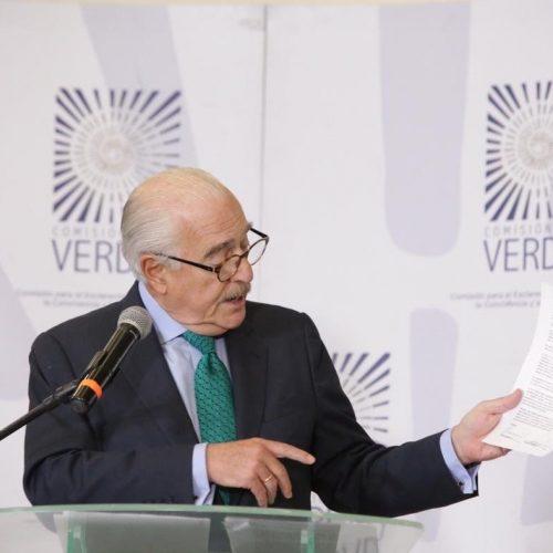 El ajedrecista puso en jaque al expresidente Pastrana