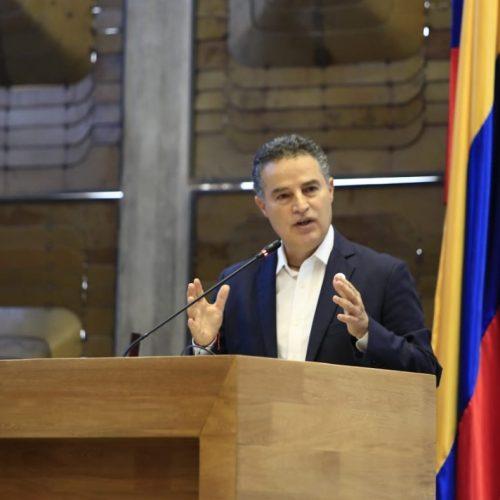 Aníbal Gaviria queda en libertad provisional por orden de la Corte Suprema
