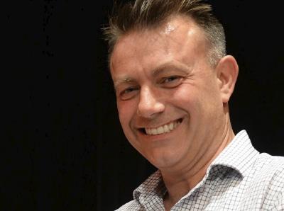Bob Riley, director de la Orquesta de Cámara de Manchester.
