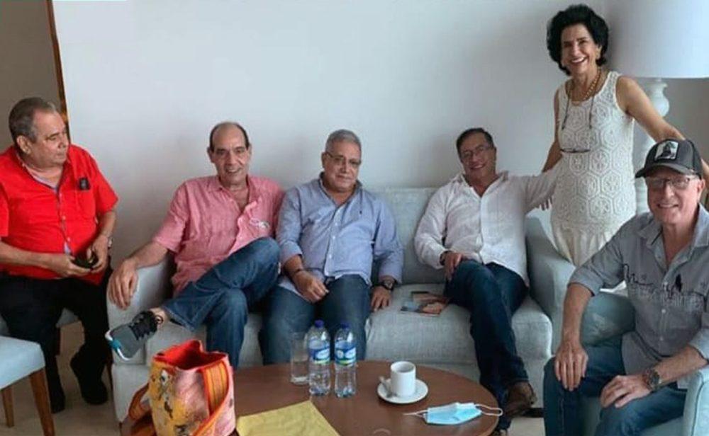 Petro y sus polémicos acompañantes en Cartagena