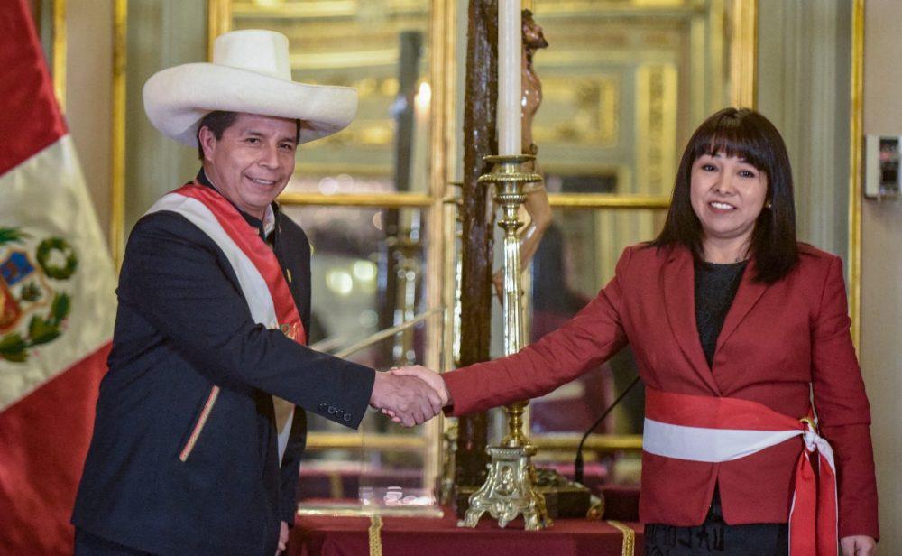 Pedro Castillo le da la espalda a la izquierda radical en Perú y renueva su gabinete de ministros