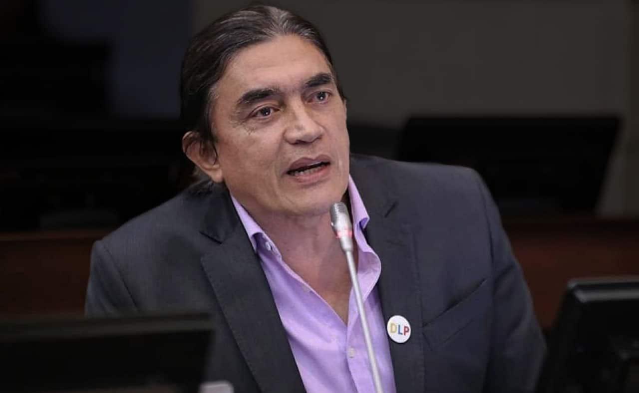 """""""Un vendedor de TransMilenio produce lo mismo que El Ubérrimo de Uribe"""": Gustavo Bolívar"""