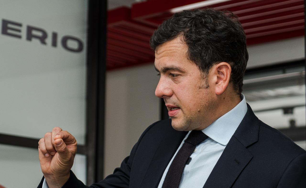 Rodrigo Lara se niega a aceptar que la definición de la segunda vuelta sea entre el uribismo y el petrismo.