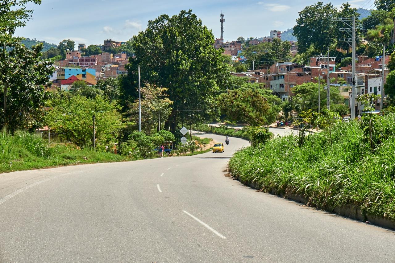 Una obra vial en Bucaramanga, otra cana que le sale al clan Aguilar